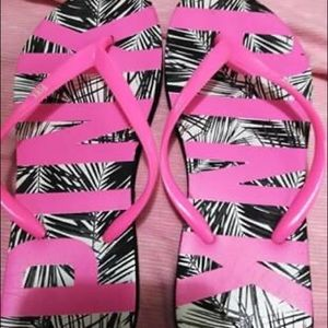 Pink by Victoria Secret flip flop size small (6-7)